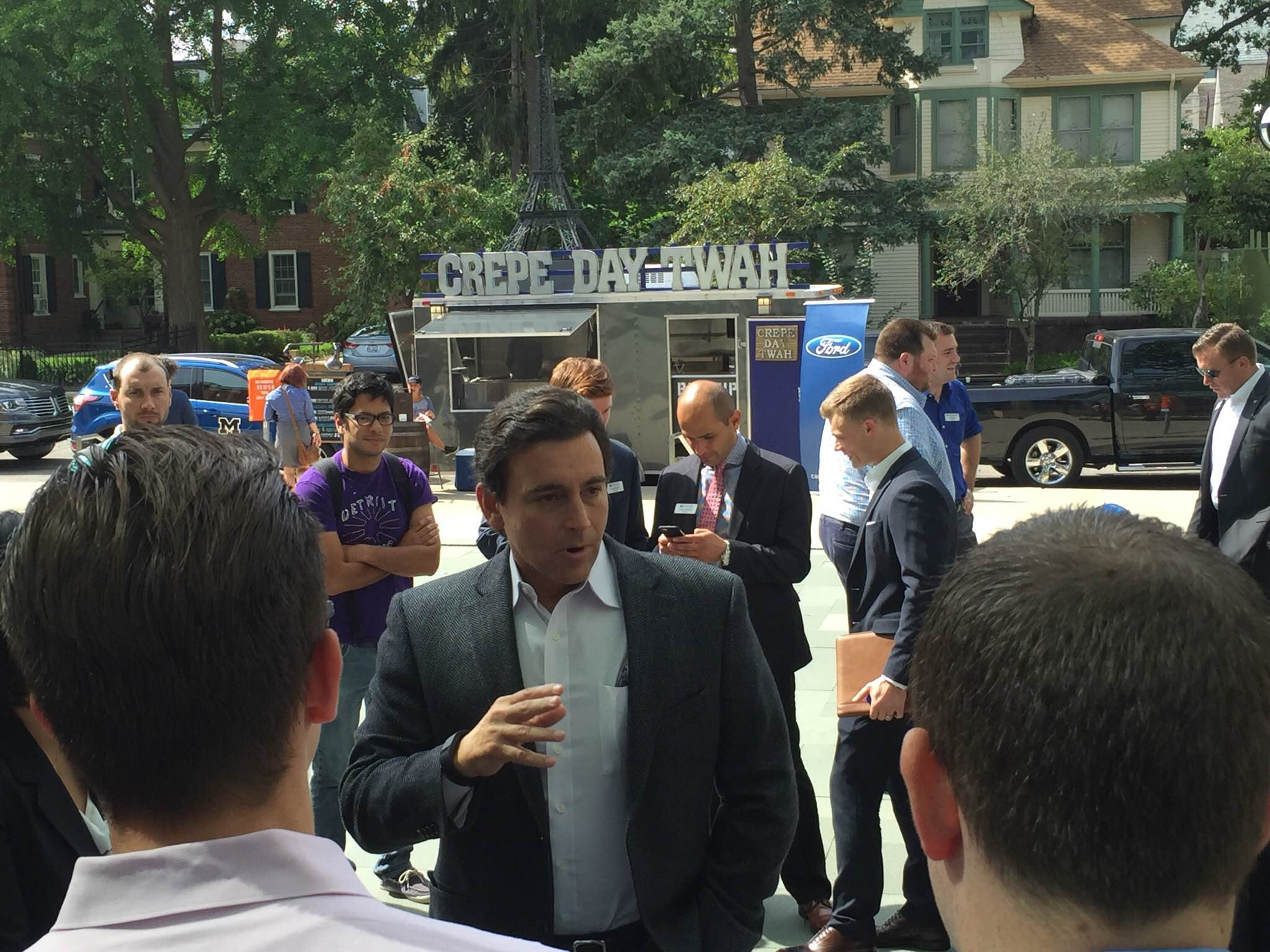 ford ceo mark fields comes to michigan ross to recruit michigan ross