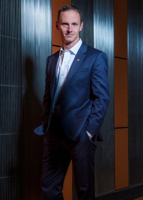 Dean Scott DeRue